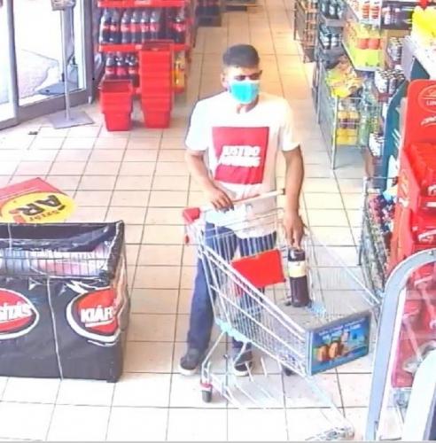 Felpakolta a bevásárlókocsit, majd fizetés nélkül távozott az áruházból egy férfi Dunakeszin