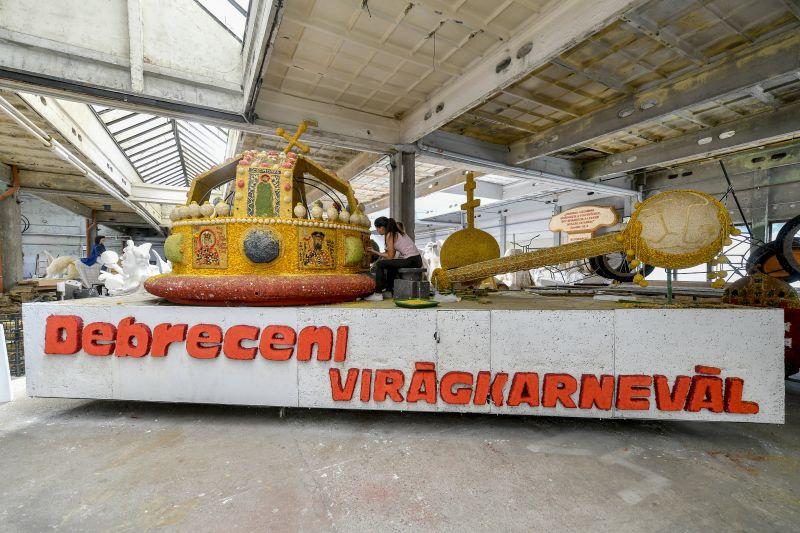 Nagymagyarországos kompozíció is lesz a Debreceni Virágkarneválon – fotók