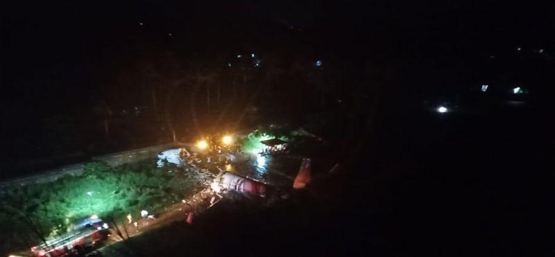 Tömegkatasztrófa! 200 emberrel a fedélzetén zuhant le egy utasszállító Indiában