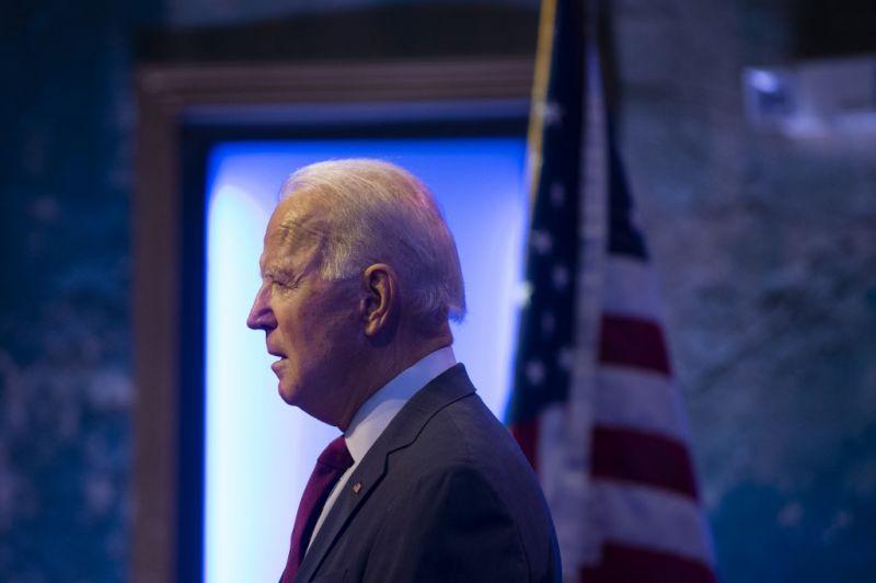 Joe Biden és alelnökjelöltje nyilvánosságra hozza a friss adóbevallását