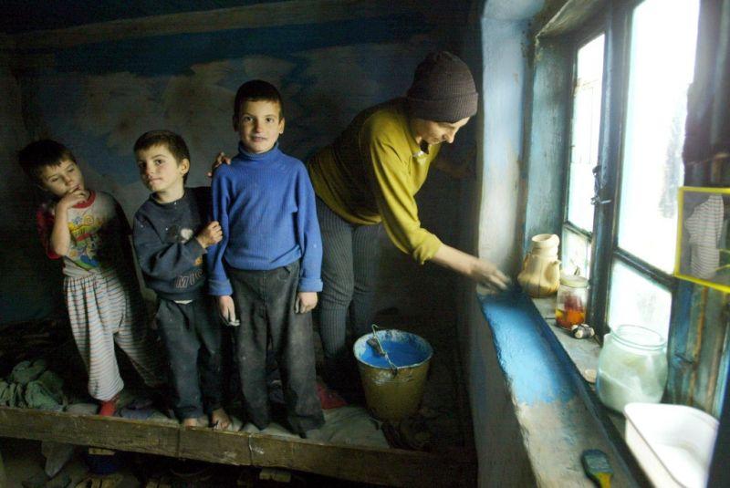 Nem elég célzott az EU gyermekszegénység elleni fellépése