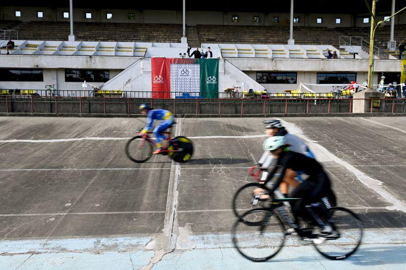 Megdőlt a pályacsúcs a pályakarékpár ob női sprint csapatversenyén