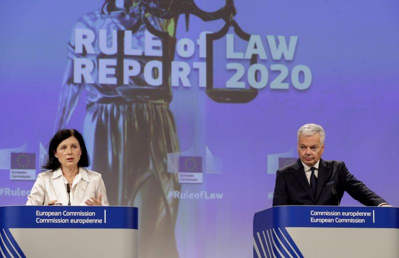 Jogállamiság-jelentés: hatalmas sallerokat kapott a szégyenpadra ültetett Orbán-rezsim