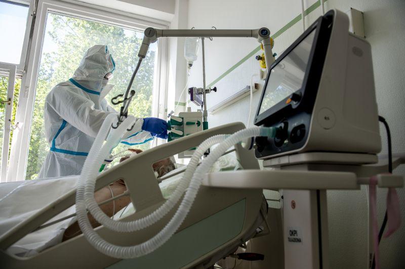 Annnyira növekszik a betegek száma, hogy rövidesen meg kell nyitni a kiskunhalasi járványkórház intenzív osztályát