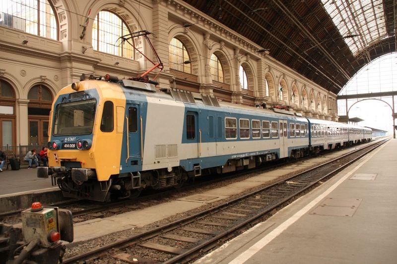Sósavszivárgás Budapesten! Állnak a vonatok