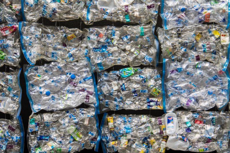 Durva! Óránként 180 ezer PET-palackot használunk el Magyarországon
