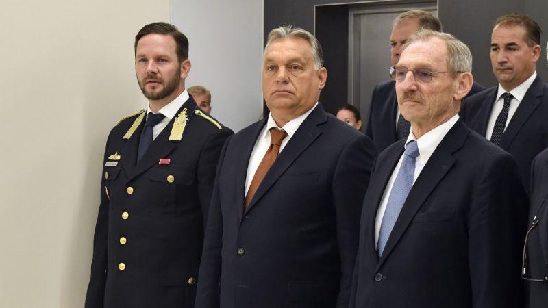 Orbán Viktor azonnali hatállyal menesztette az Alkotmányvédelmi Hivatal főigazgatóját