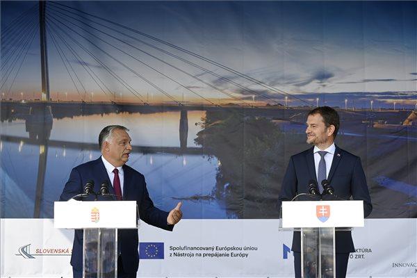 Nagy terveket ismertetett Orbán Viktor a Duna-híd átadáson