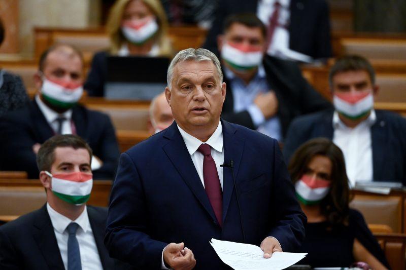 Orbán gyurcsányozva és kommunistázva ment neki az ellenzéknek