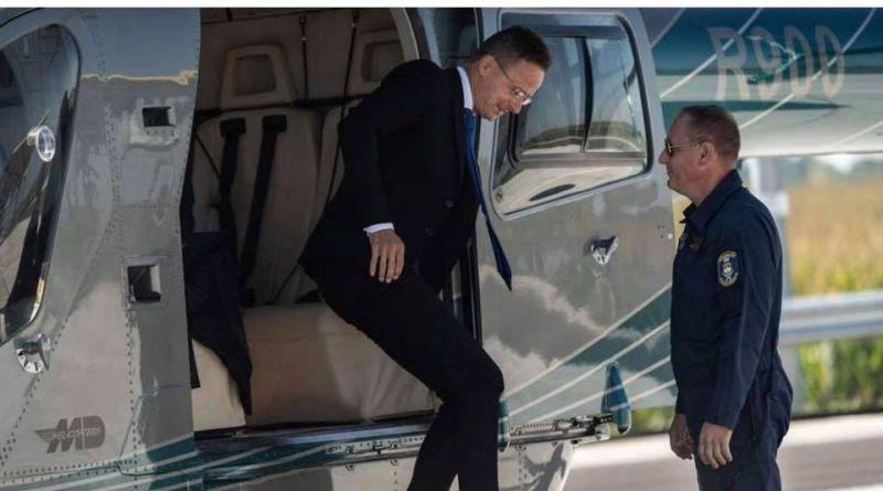 Másfél órás autóút helyett helikopterrel utazott Szijjártó – ezzel magyarázta a Külügyminisztérium