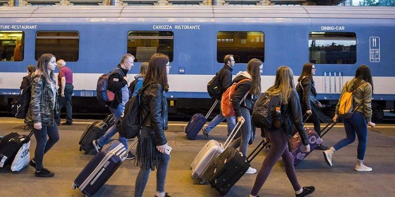 MÁV: volt már kalauzverés a maszk miatt, de az utasok többsége fegyelmezett