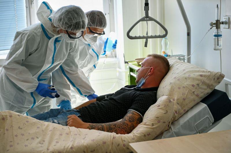 Közel negyvenen hunytak el egy nap alatt itthon a járvány miatt