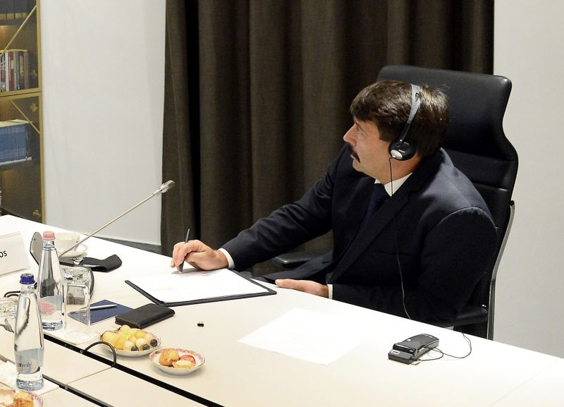 Felkészülni: Áder János podcastot indít
