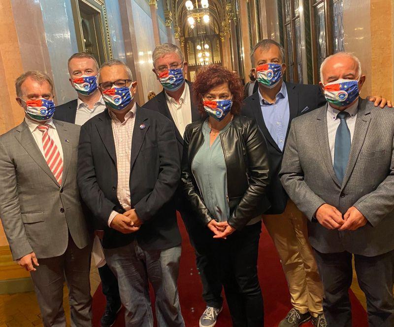 Az ellenzéki összefogást hangsúlyozta a DK születésnapi ünnepségén