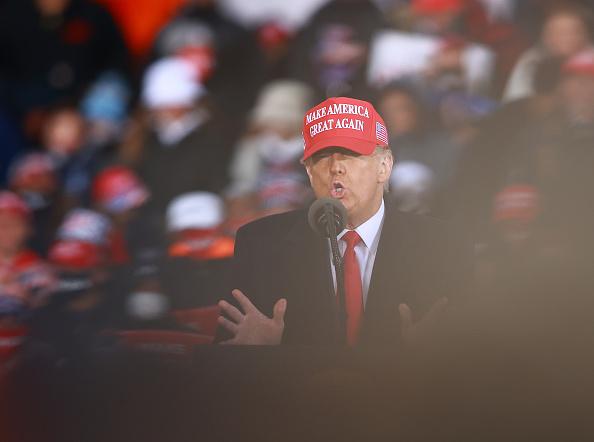 Trump szerint ha Biden nyer, talán még az országot is el kell hagynia