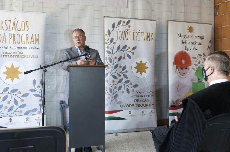 Kósa: ez Debrecen: a kormány az állami költségvetésből biztosítja a szükséges pénzt