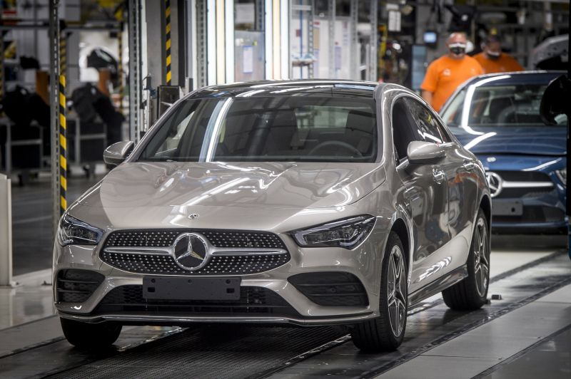 Egy hónapra leáll a termelés a kecskeméti Mercedes-gyárban