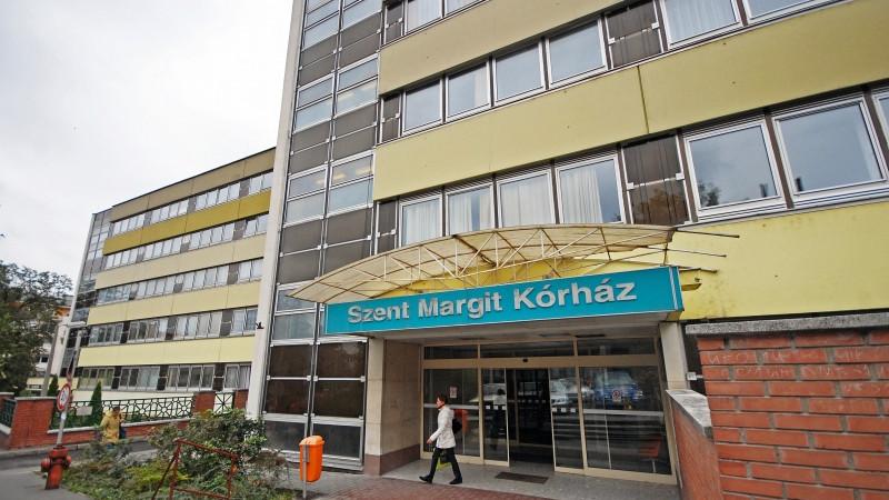 Betegek, orvosok és nővérek kapták el a fertőzést a Szent Margit Kórházban