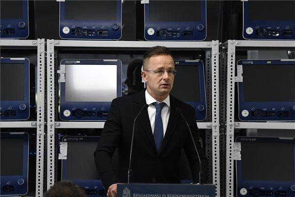 Szijjártó felszólította Joe Bident, hogy válaszolja meg korrupciógyanús ügyeit