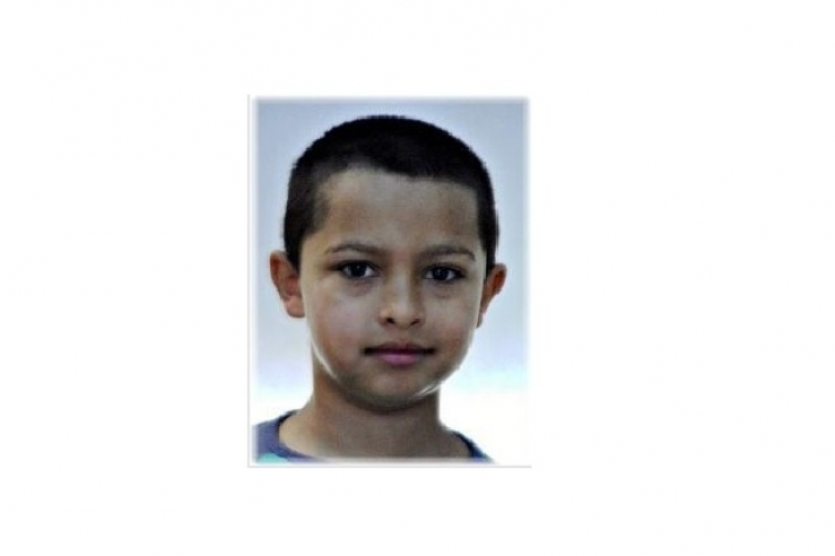 A 9 éves Rajmund és a 11 éves Anna világgá mentek a gyermekotthonból? Eltűnés miatt körözi őket a rendőrség.