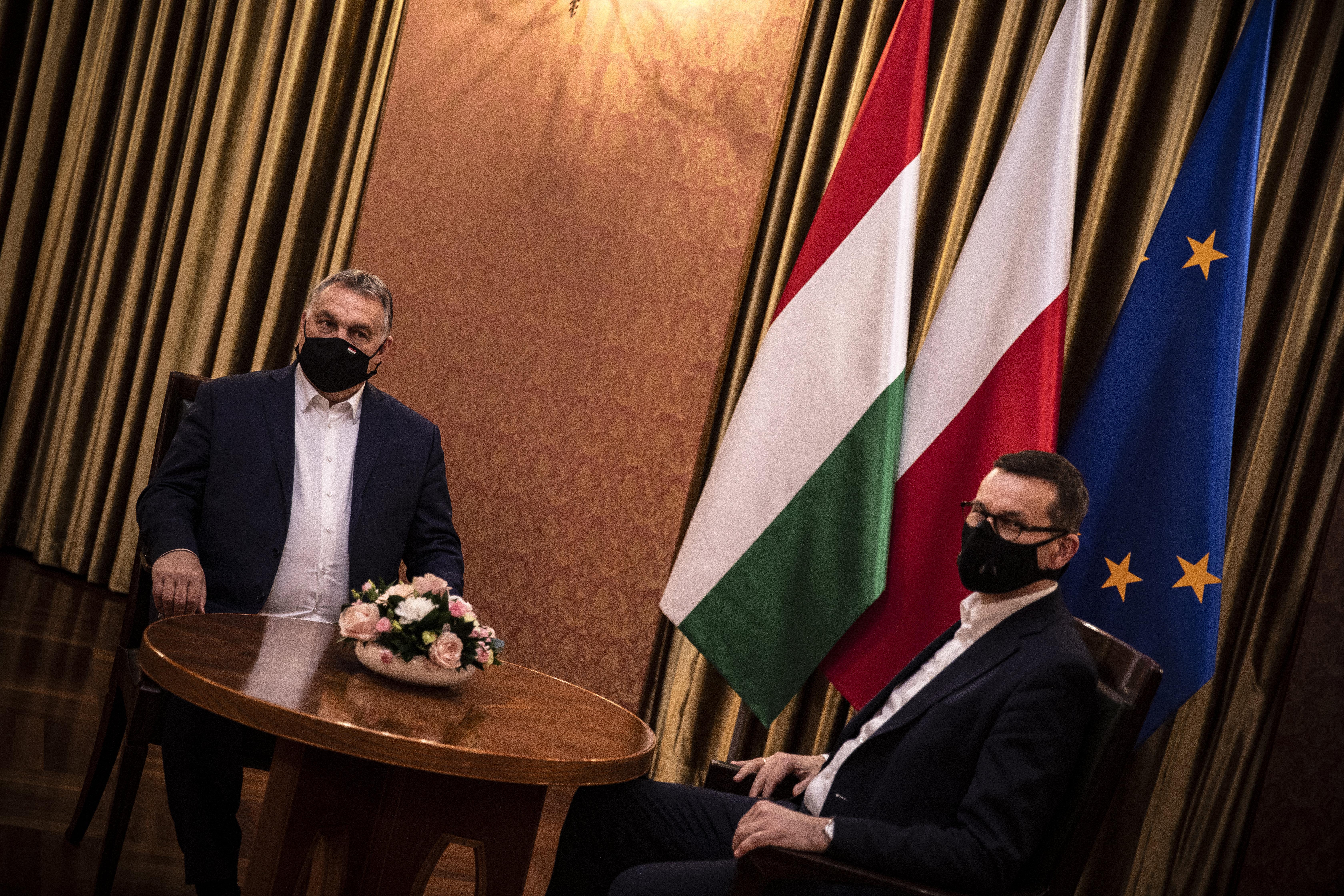 A lengyelek meghátrálnak, és mégsem vétóznak? És most mit lép Orbán?
