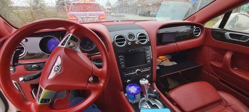 Egy nap alatt megtalálták a magyar rendőrök a dánok által körözött luxus Bentley-t