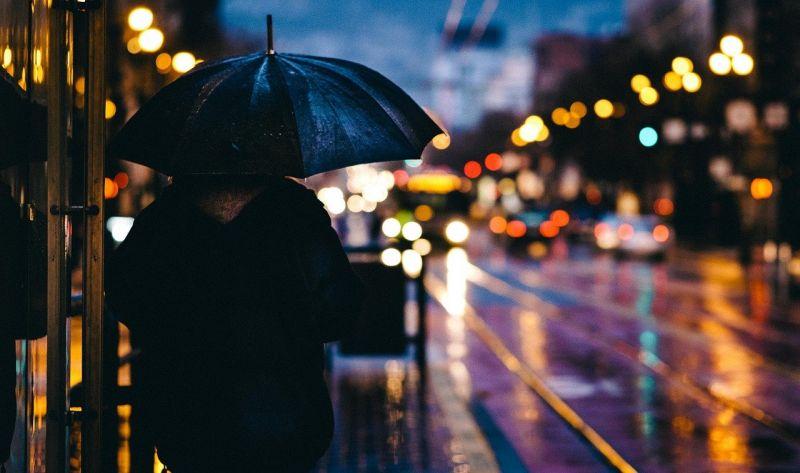 A fölöttünk érkező hidegfront nyaktörő mutatványokra kényszeríthet minket: támad az ónos eső