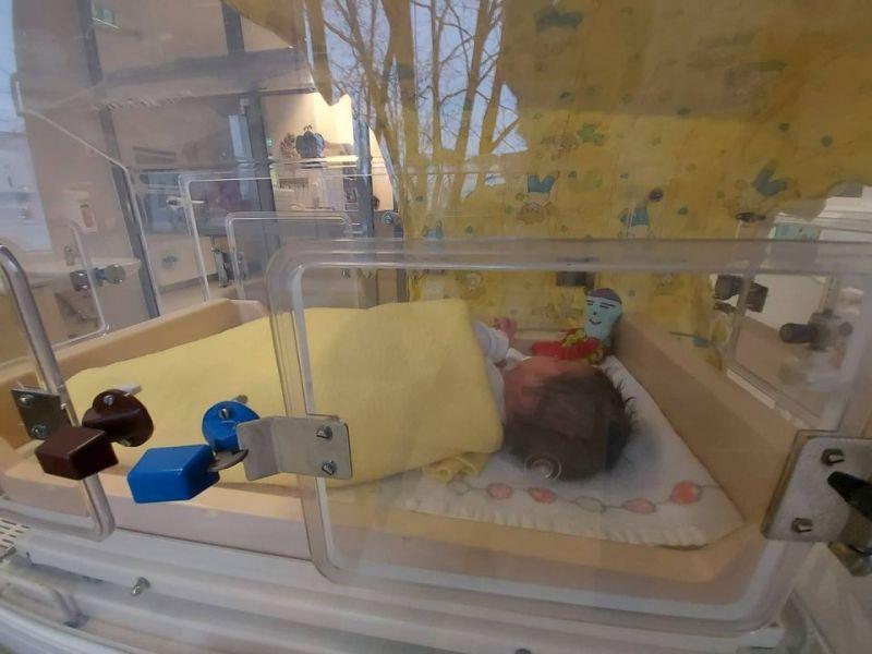 Fordulat a szolnoki talált csecsemő ügyében – előkerült az apa