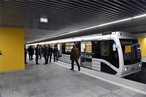 Pótlóbusz jár a 3-as metró helyett a Lehel tér és Kőbánya-Kispest között vasárnap reggelente