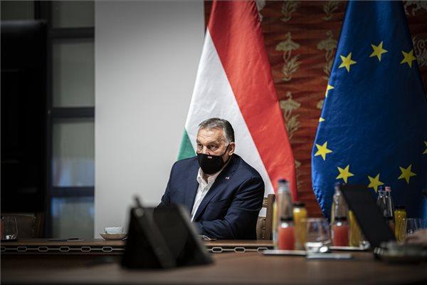 """Orbán: """"mi nem kapunk pénzt az uniótól"""""""