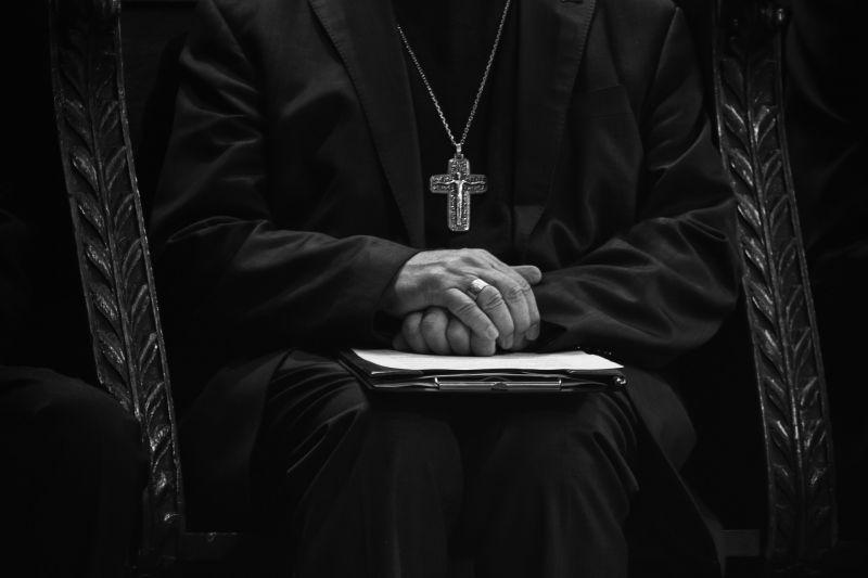 Több ezer szexuális bűncselekmény történt az angol-walesi katolikus egyházban