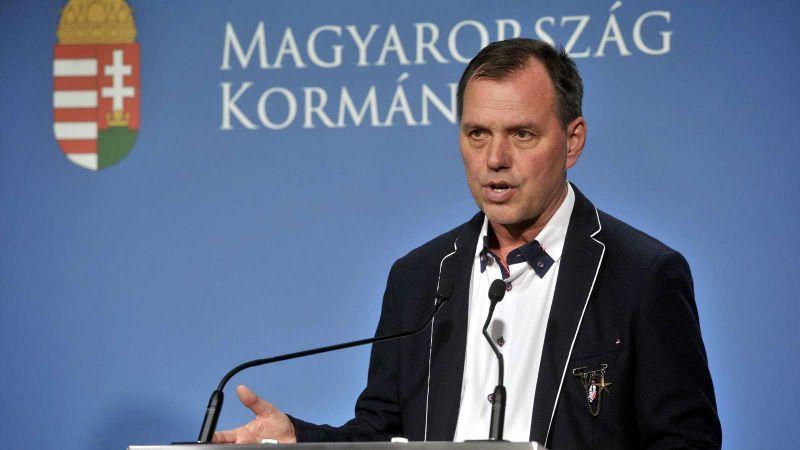 Szlávik: tovább emelkedhet a halottak száma, ekkorra várható a tetőzés