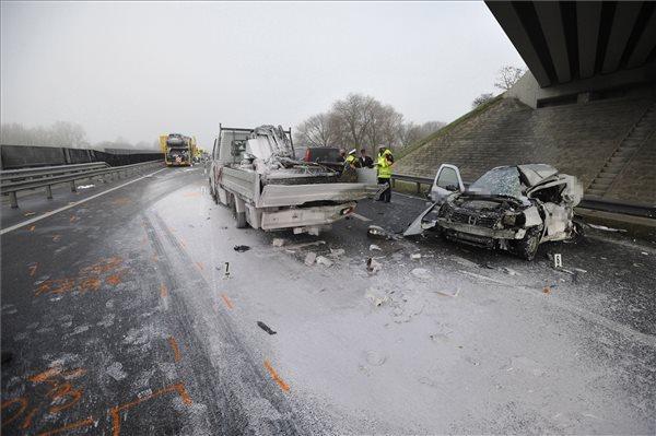 Tragédia az M5-ösön