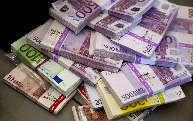 40 milliós végkielégítéssel távozhat Szájer József az Európai Parlamentből
