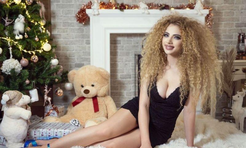 Óriási szexizéssel ünnepelte a karácsonyt Opitz Barbi