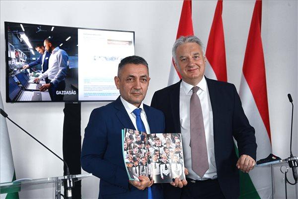 Semjén: Gyurcsány porig rombolta, Orbán újjáépítette a nemzetpolitikát
