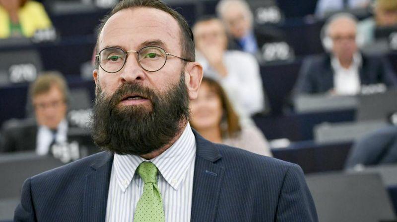 A brüsszeli orgia szervezője már kilenc magyar politikust emleget, akik vendégei voltak