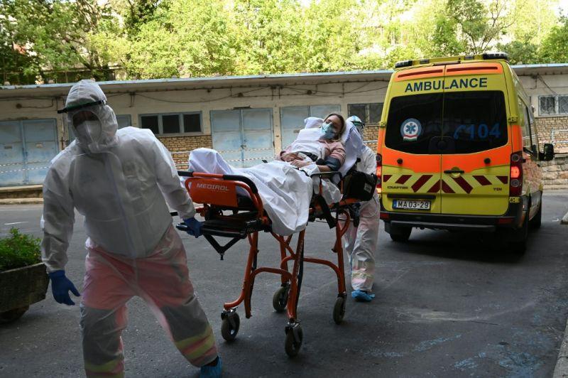 Több mint tizenkétezer koronavírusos hunyt el eddig itthon