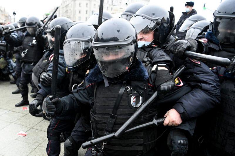Navalnij melletti tüntetések pattantak ki Oroszországban, több embert őrizetbe vettek