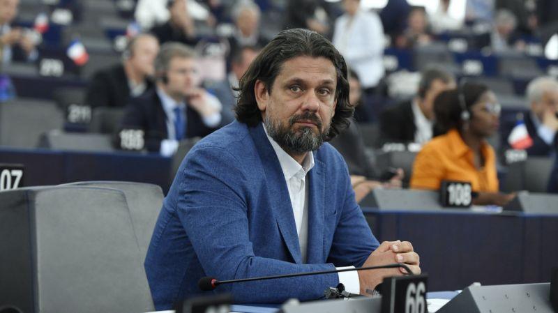 Deutsch Tamás lemondott minden európai parlamenti bizottsági tisztségéről