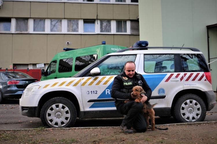 Nyugdíjba megy Magyarország egyik legjobb drogkereső kutyája