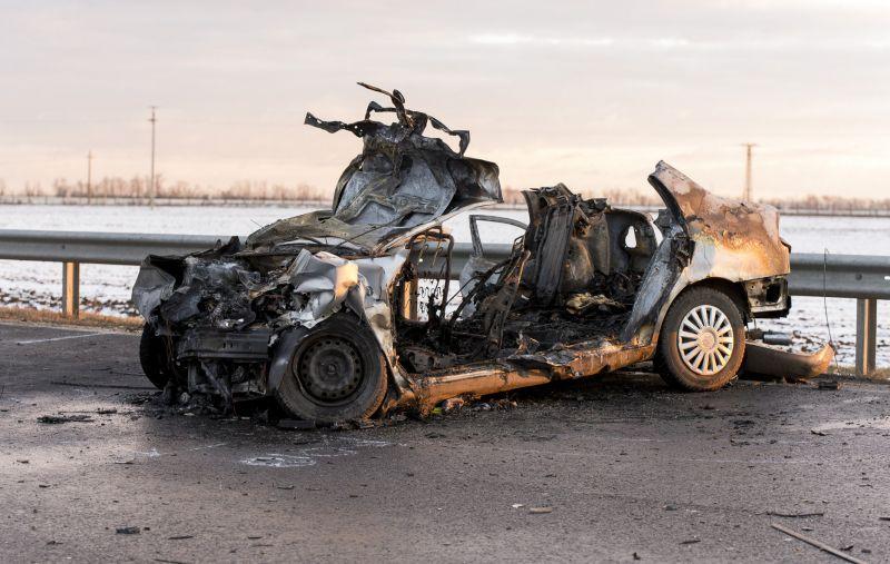 Tragédia Győrnél: négy ember halt meg egy balesetben