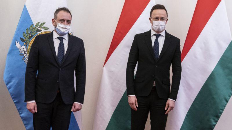 Szijjártó Péter pénteken Moszkvába repül gáz- és vakcinabeszerzési ügyek miatt