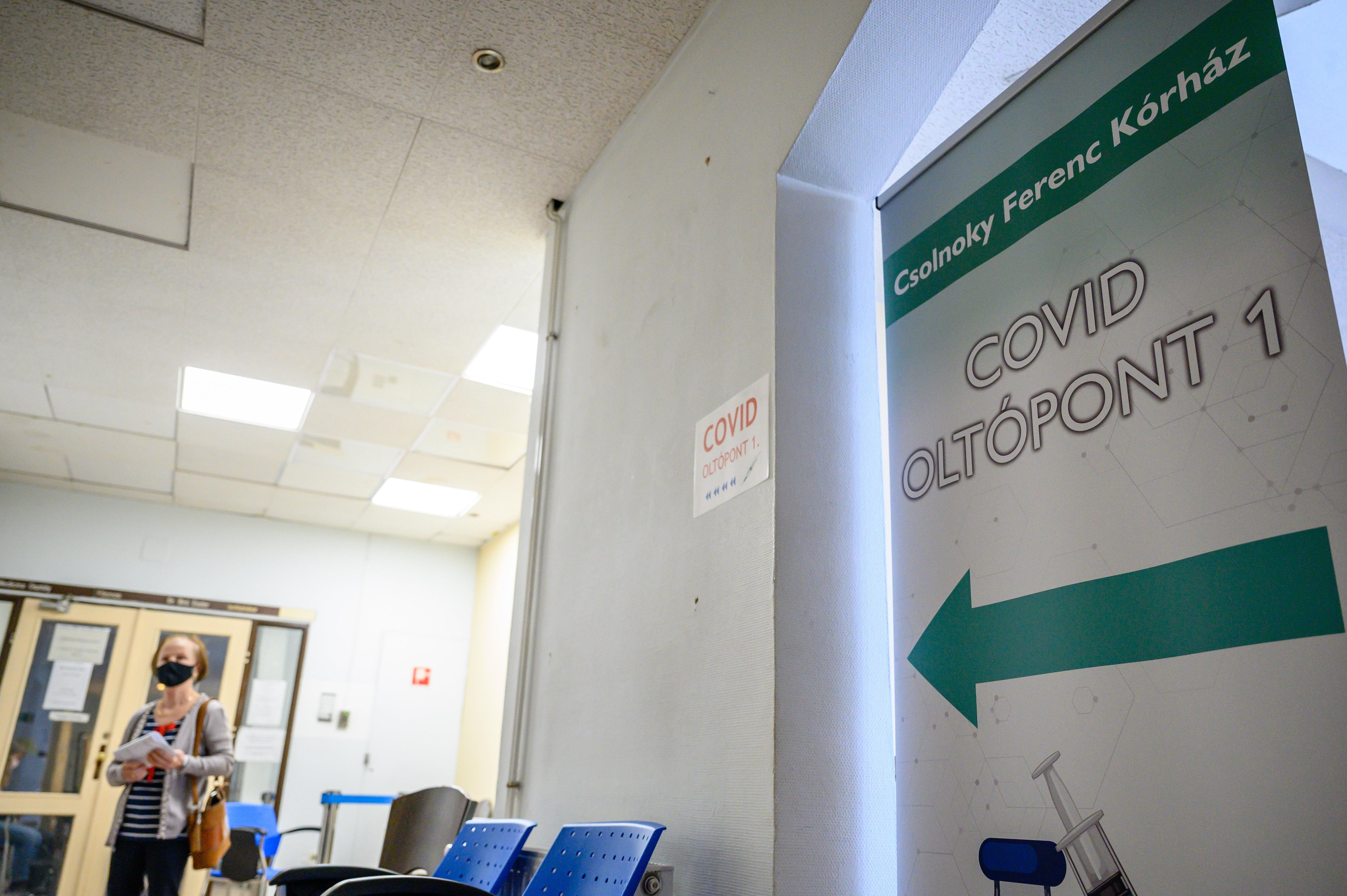 Harmadik hullám: Csaknem ötezer embert fertőzött meg a koronavírus egy nap alatt, több mint százan meghaltak, vészesen nő a kórházban kezelt koronavírusosok száma