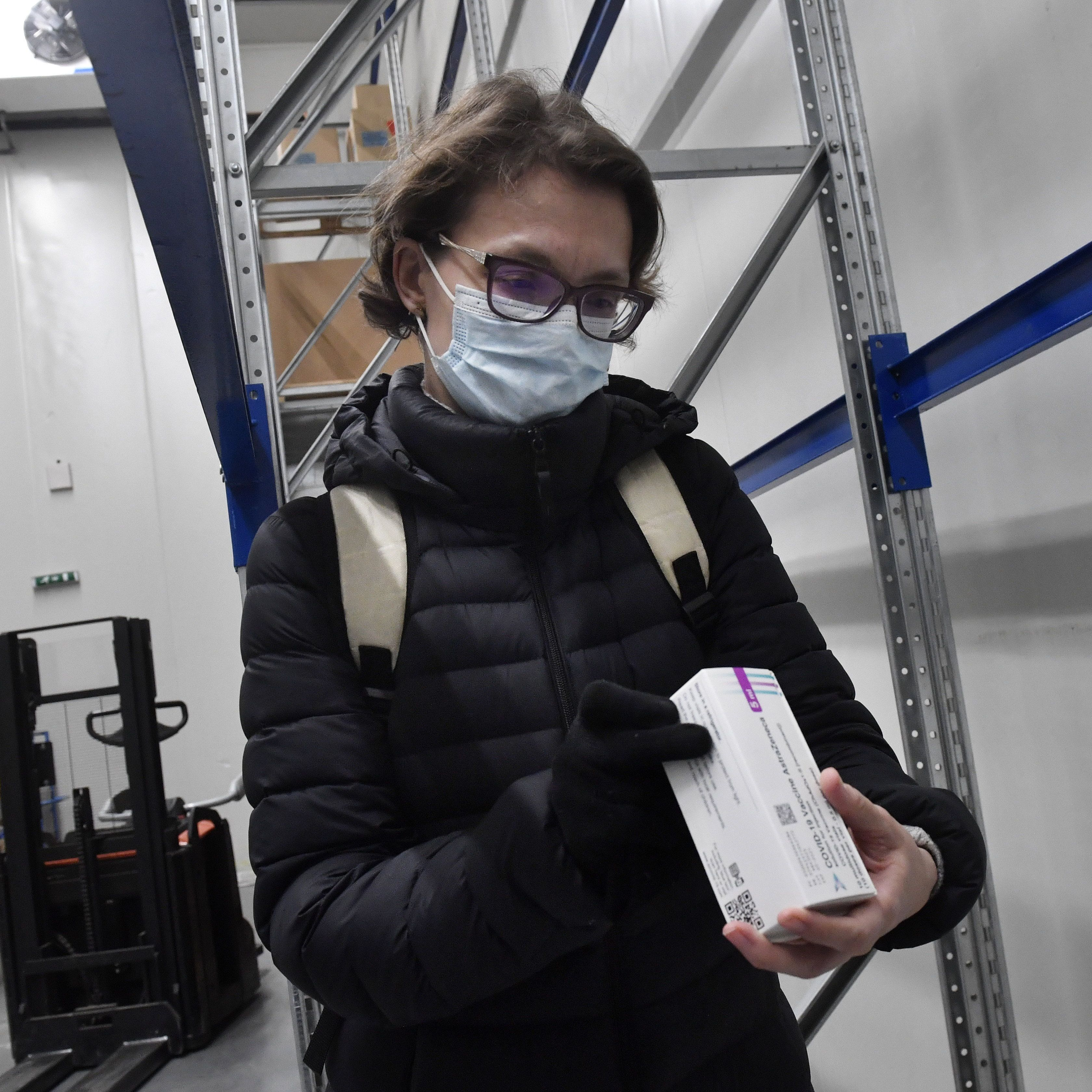 Járványügyi osztályvezető: Megfontolandó lehet az iskolák és a plázák bezárása