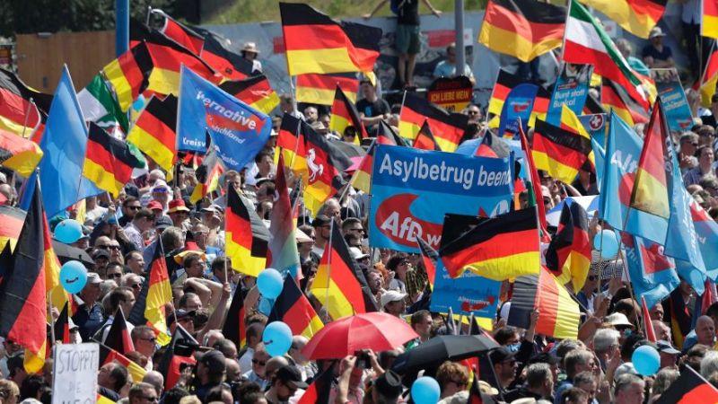 A szélsőjobboldali, populista, bevándorlás-ellenes AfD tárt karokkal várja a Fideszt