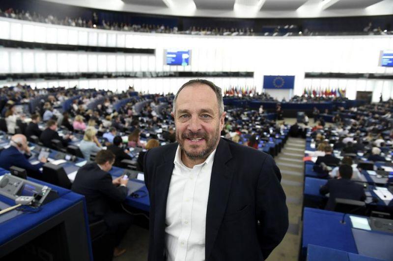 Furcsa okból maradhat a néppárti frakcióban az utolsó Fidesz–KDNP-s képviselő