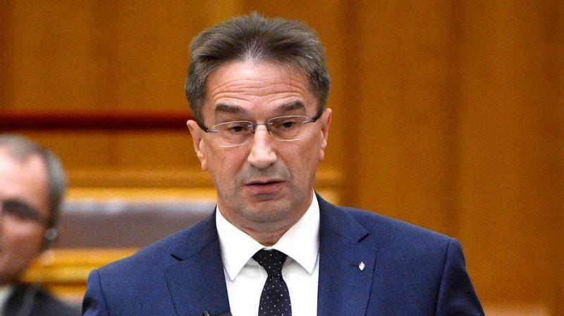 A koronavírus-járvány elhúzódása a baloldal politikai stratégiája – állítja a fideszes államtitkár