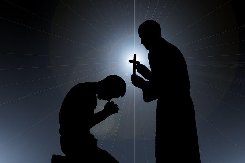 Döbbenet: legalább 10 ezer kiskorút zaklattak a francia katolikus egyházon belül