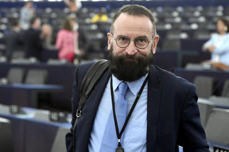 Fodor Gábor elmondta, az egész Fidesz tudott Szájer homoszexuális beállítottságáról